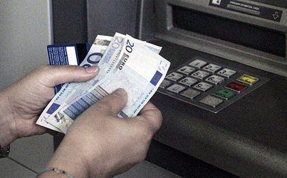 Euro coraz tańsze. Notowania najniższe od października