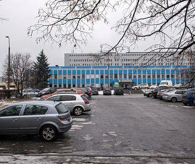 Przy płocie Szpitala Bródnowskiego znaleziono zwłoki