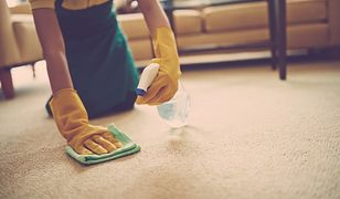 Ale plama! Sprawdzone sposoby na czyszczenie dywanu