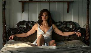 """Carla Gugino jako Jessie w """"Grze Geralda"""""""