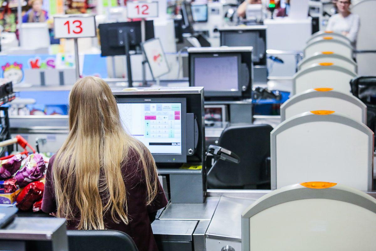 Zakaz handlu w niedzielę pomoże supermarketom. Koniec niedoborów w zatrudnieniu