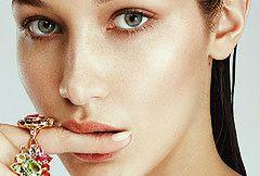 Bella Hadid topless w hiszpańskim Harper's Bazaar