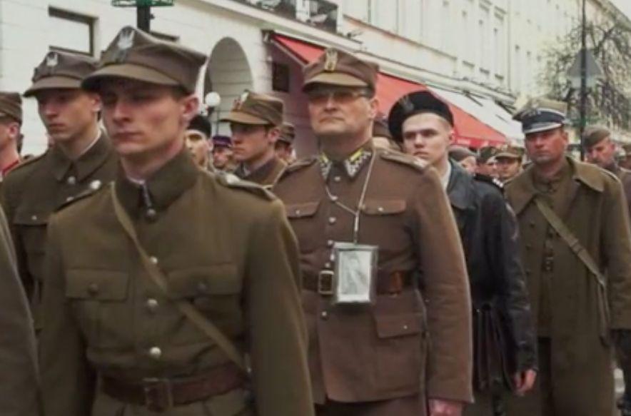Warszawa. Już po raz czternasty odbywał się w stolicy Katyński Marsz Cieni. Poświęcony jest on pamięci wszystkich Polaków, którzy stracili życie na Wschodzie w 1940 roku, mundurowych i cywili. W tym roku został on przełożony z kwietnia na wrzesień z powodu pandemii