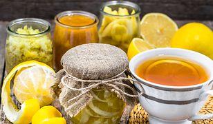Cytryny w syropie. Rozgrzewający dodatek do herbaty