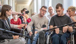 """Zwrot ws. niepełnosprawnych w Sejmie. """"Kancelaria zaprasza fizjoterapeutów"""""""