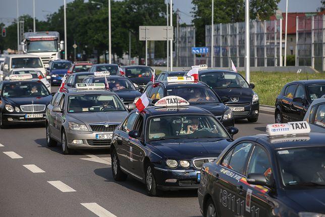 Protest taksówkarzy przeciwko nieuczciwej konkurencji