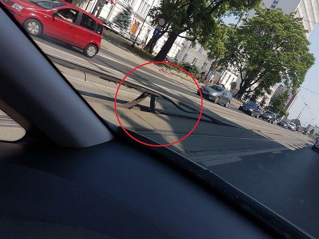 Wygięte tory w Bydgoszczy. Ulica była rozgrzana jak patelnia