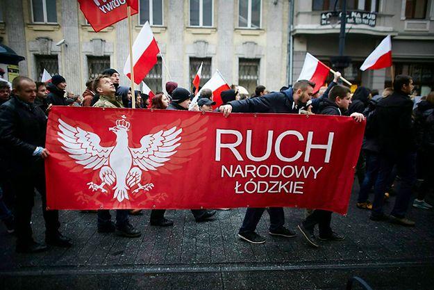 Marsz przeciw terroryzmowi zorganizowany przez Ruch Narodowy i Młodzież Wszechpolską w Łodzi w 2015 roku.