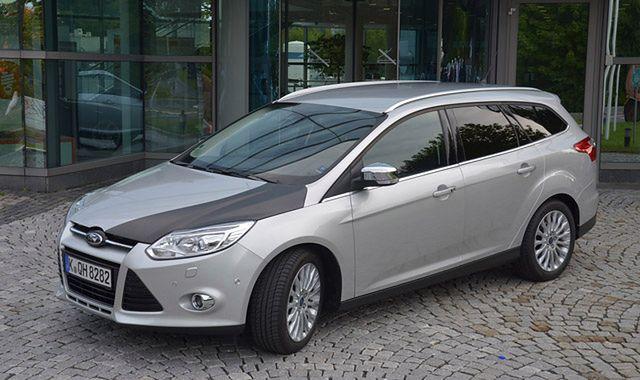 Włókno węglowe w tanich samochodach Forda?