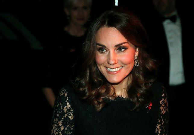Księżna Kate pożycza biżuterię od królowej Elżbiety