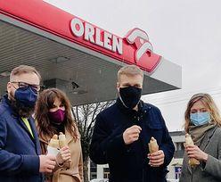 Zandberg je hot doga na Orlenie. Zdjęcie wywołało burzę w sieci