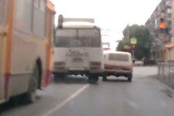 #dziejesiewmoto [87]: szalony autobus i nieodpowiedzialni na drodze