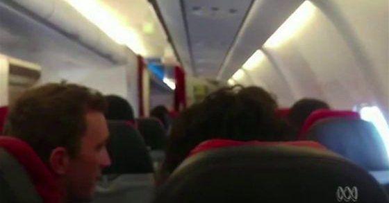 Awaryjne lądowanie w Australii. Na pokładzie 359 osób