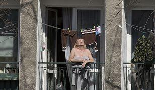 Nawet 1500 zł kary za opalanie na balkonie. Przepisy są jasne