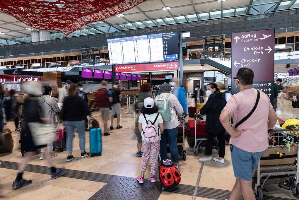 Port lotniczy Berlin Brandenburg został otwarty rok temu
