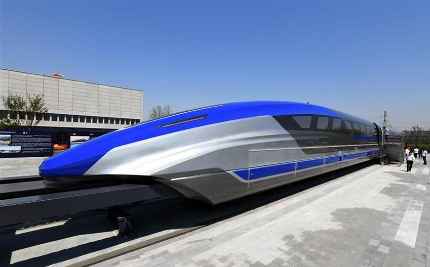"""Najszybszy """"pływający"""" pociąg. Może osiągać zawrotną prędkość"""