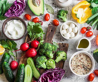 Jadłospis diety 1500 kcal powinien być urozmaicony.
