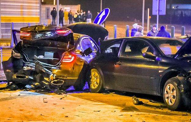 Świadkowie wypadku z udziałem Antoniego Macierewicza: minister staranował nas na światłach