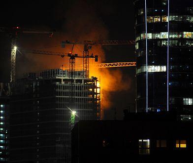 Pożar na budowie wieżowca. Płonie budynek w centrum Warszawy
