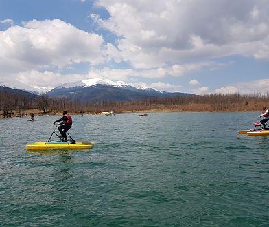 Jezioro Plastira leży 23 km od miasta Karditsa w środkowej Grecji