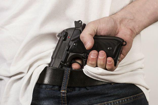 Nowojorska policja alarmuje: nie róbcie z telefonu pistoletu