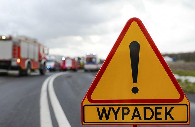 Wypadek na DK 45. 5 osób rannych, jedna nie żyje
