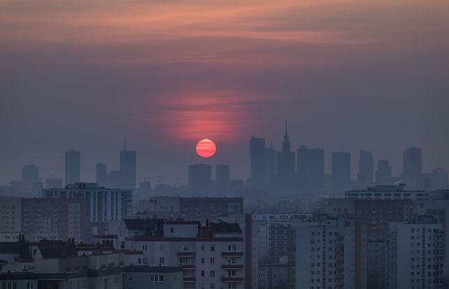 Smog Warszawa - 4 grudnia: umiarkowana jakość powietrza