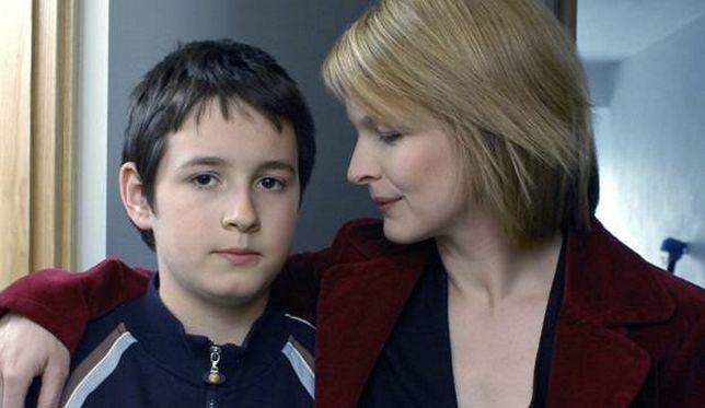 """W dzieciństwie grał w """"M jak miłość"""". Teraz atakuje TVP"""