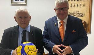 WP: Ryszard Czarnecki obiecuje miliony na siatkówkę z państwowych spółek. Zareagowała Nowogrodzka