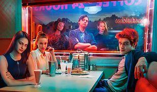 """Nastolatki, które nie boją się śmierci. 1. sezon serialu """"Riverdale"""" [RECENZJA DVD"""