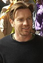 """The Corrections"": Ewan McGregor scenarzystą w serialu"