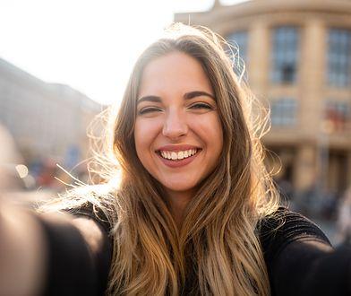 Glinka czerwona - dzięki niej zapewnisz sobie piękny uśmiech oraz zdrową cerę i włosy.