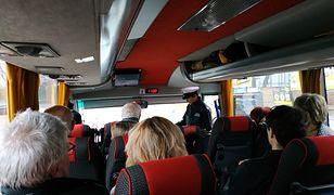 Stan techniczny autokaru dokładnie skontrolowała Inspekcja Transportu Drogowego