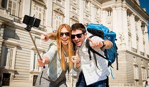 Firma turystyczna poszukuje 4 osoby, które w ciągu 3 miesięcy odwiedzą 47 miast. Zgłoszenia można wysyłać do 17 kwietnia