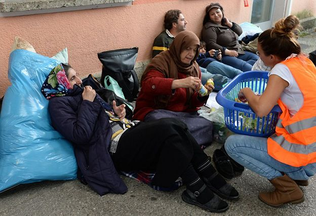 """Austriacy solidarni z uchodźcami. """"Nasz rząd mógłby robić więcej. Mamy wystarczająco dużo pieniędzy"""""""
