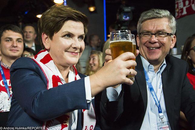 Szydło z piwem na meczu polskiej reprezentacji
