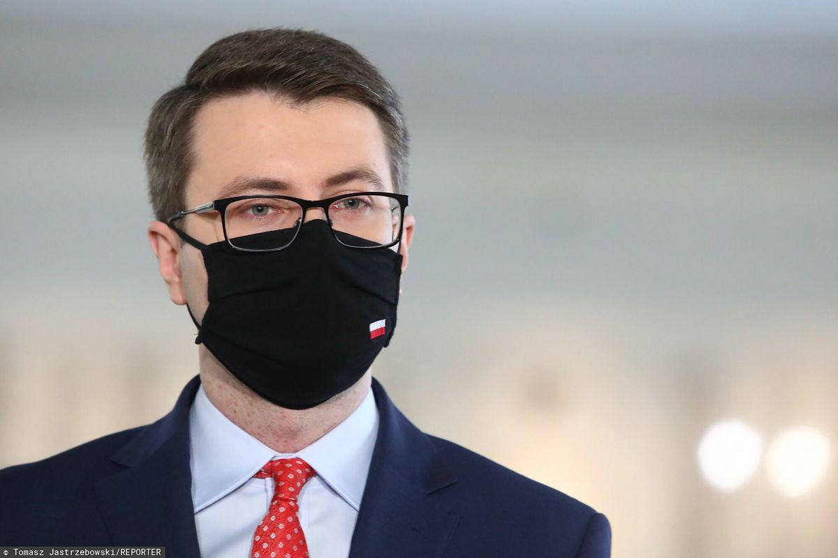 Rzecznik prasowy rządu Piotr Müller
