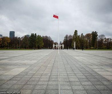 Ponad 70 proc. warszawiaków nie chce pomników smoleńskich na pl. Piłsudskiego. Tak wynika z badań ratusza
