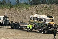 """Alaska. Autobus z filmu """"Wszystko za życie"""" usunięty z dzikiego terenu. Stwarzał zagrożenie"""