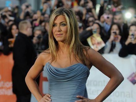"""Jennifer Aniston ogląda """"Przyjaciół"""""""