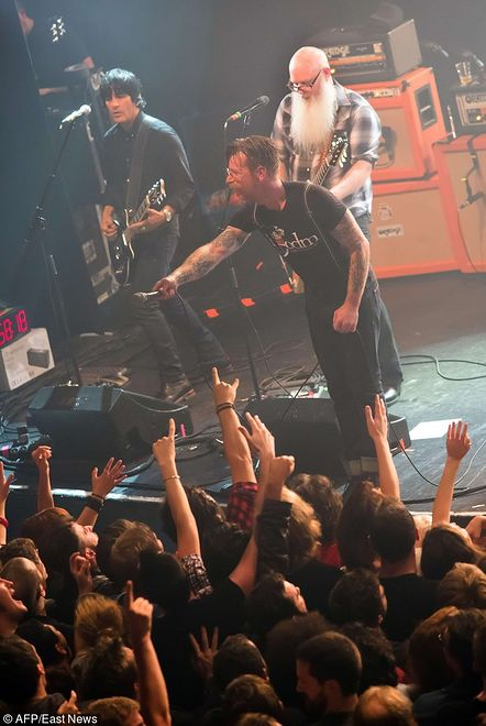 Muzycy Eagles of Death Metal po raz pierwszy o masakrze w klubie Bataclan w Paryżu