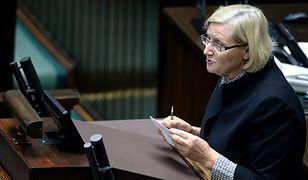 Józefa Hrynkiewicz podczas sejmowej debaty po wystąpieniu ministra zdrowia Konstantego Radziwiłła