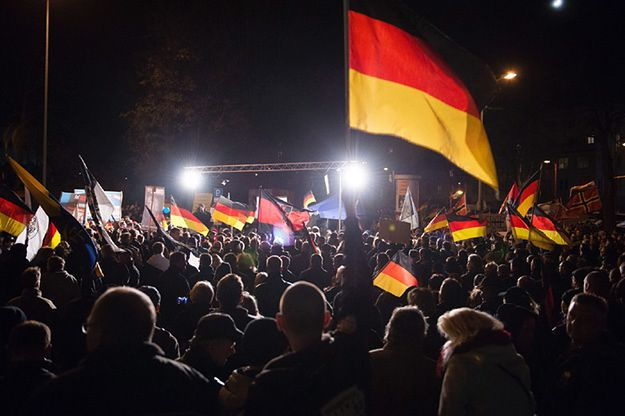 """Ataki w Kolonii. Ekspert krytycznie o niemieckich mediach: """"kolejny cios w poprawność polityczną"""""""