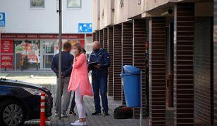 Policjanci uratowali trzyletnią dziewczynkę. W środku nocy stała za balustradą