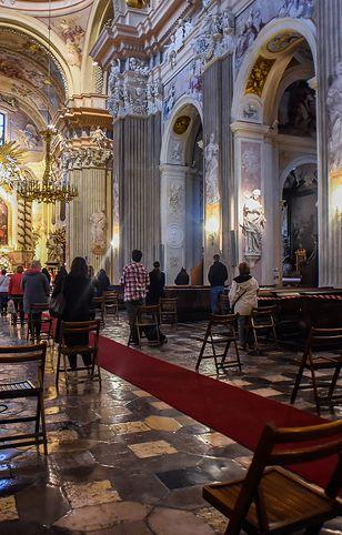 Msza święte. Biskupi odwołują dyspensę