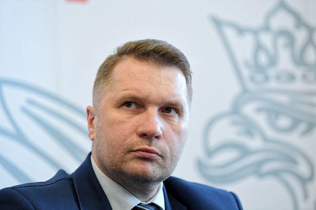 Według posła PiS Przemysława Czarnka, jeśli zagrożenie będzie większe, wybory trzeba przełożyć