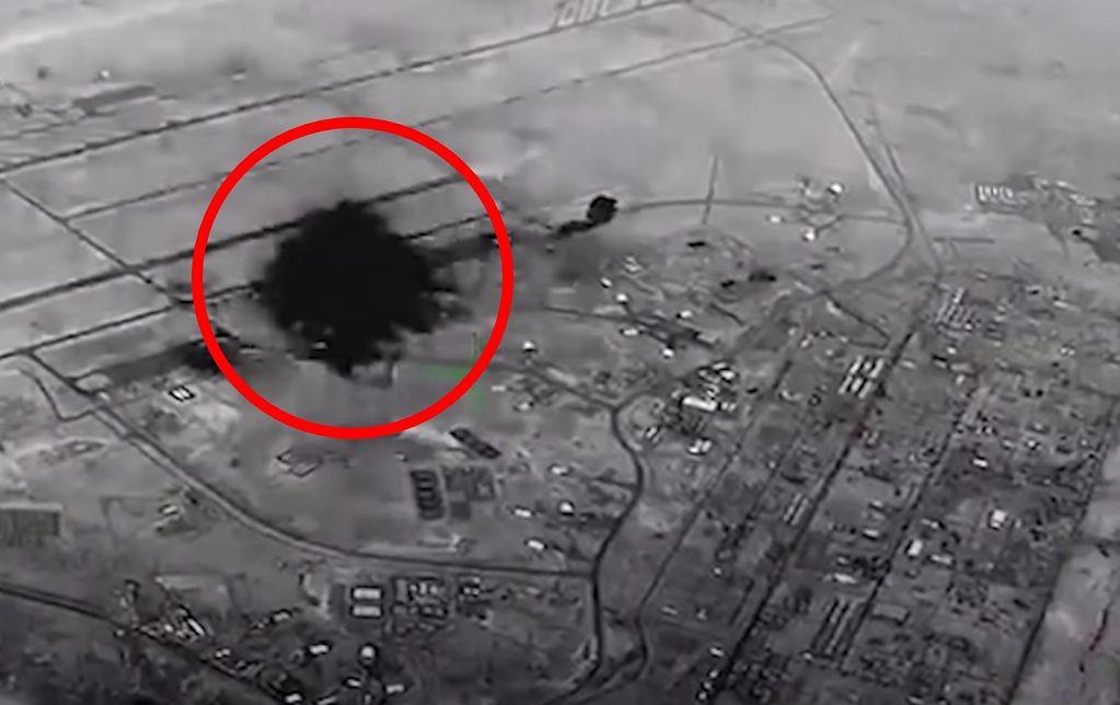 Pierwsza eksplozja w bazie Ain Al-Asad, widziana z kamery termowizyjnej zamontowanej na dronie obserwacyjnym