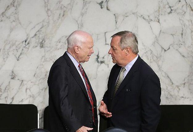 Republikanin John McCain i demokrata Richard Durbin.