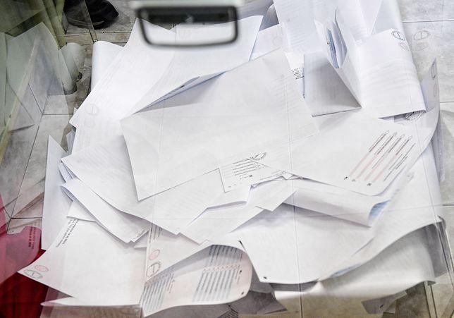 Tak wyglądały wybory samorządowe w praktyce. W lokalach chaos i samowolka