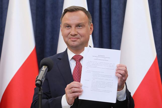 Andrzej Duda powinien poczekać co najmniej dwa tygodnie z zaprzysiężeniem sędziów SN - uważa jego promotor